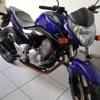 Cb 300 moto muito nova